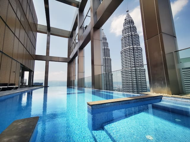KLCC View | 1BR Luxe Home | 3mins walk to KLCC
