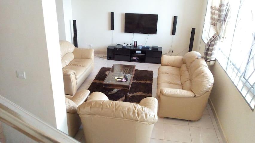 2 bedroom elegant apartment - Kampala - Lägenhet