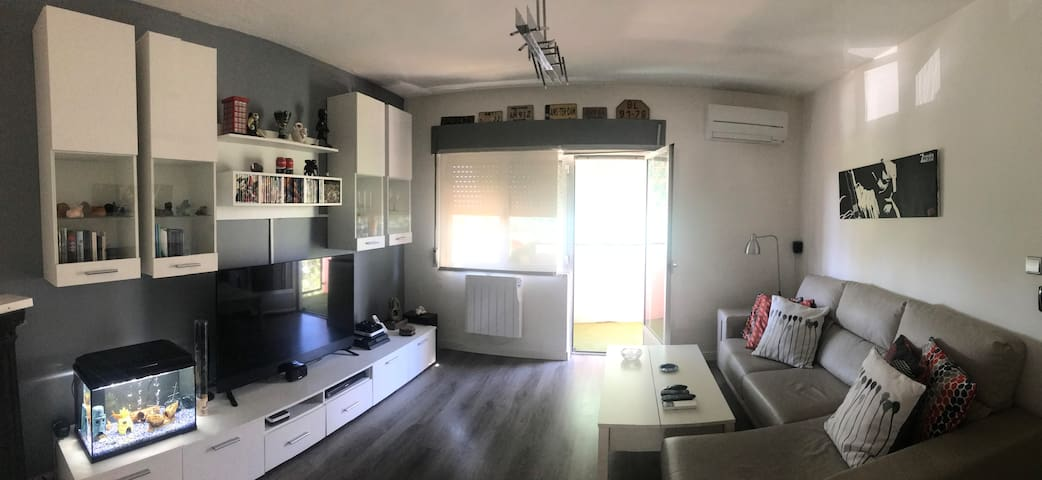 Apartamento con terraza, Wifi/Aire Acondicionado