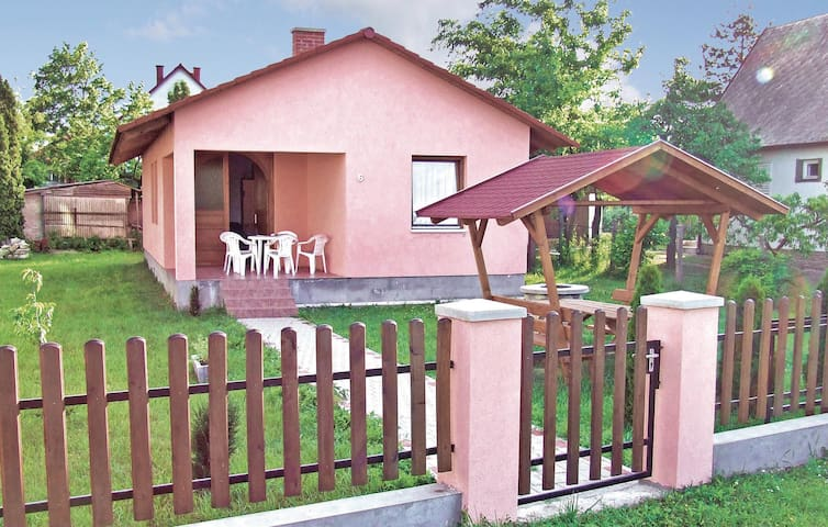 Holiday cottage with 3 bedrooms on 65m² in Balatonlelle