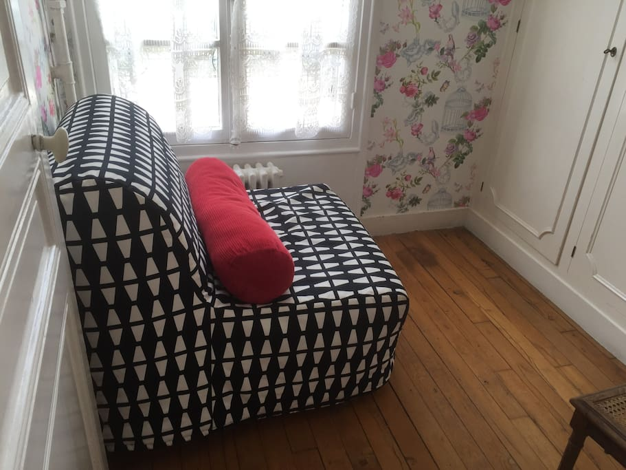 Small room with ikea convertible sofa