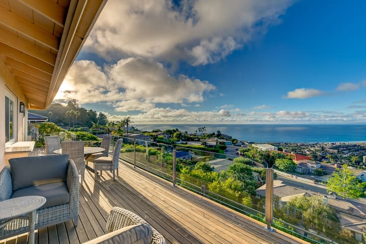 View on Rue: Stunning Ocean Views, 3 bed/ 2.5 bath
