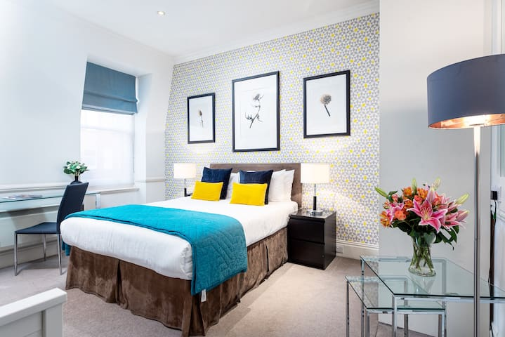 Luxury Apartment in Sloane Square, Chelsea - DP7