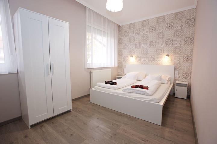 Timi apartman, 3 háló-nappalis apartman terasszal