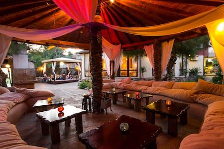 Private room right next to the beach - Obzor - Oda + Kahvaltı