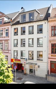 SuperDuper Central, CoachSurfing! - Bergen - Apartment