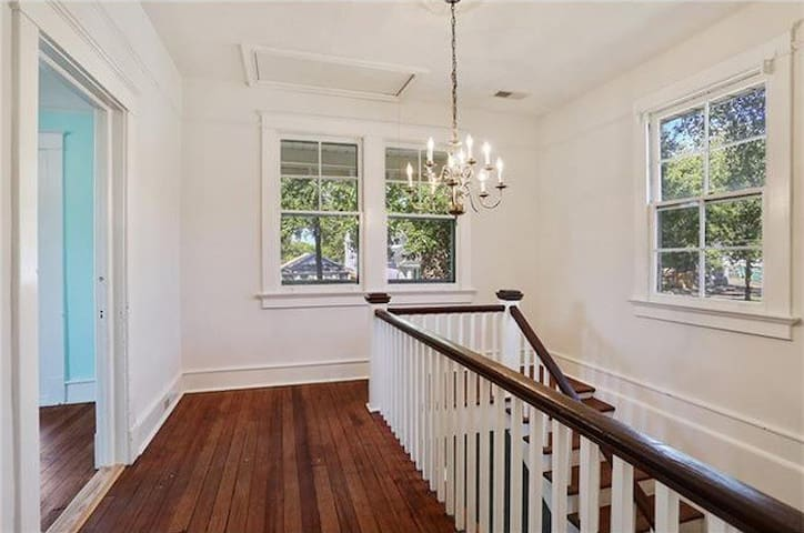 Spacious Historic Bywater Beauty - New Orleans - Apartmen