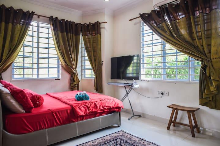 Room Fatimah with plenty of natural lighting.