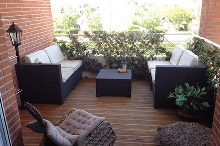 Chambre lumineuse, terrasse, parking, - Тулуза