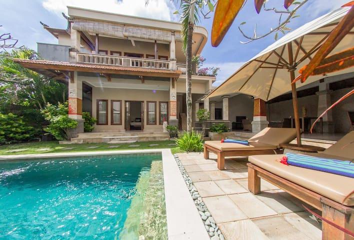 asri jewel villa family