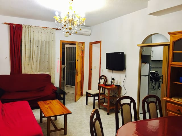 big apartment 2bedrooms+7 min beach+wi-fi+center