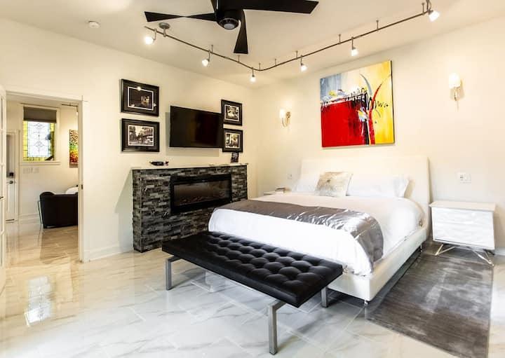 Private Luxury Suite in Downtown Eureka Springs