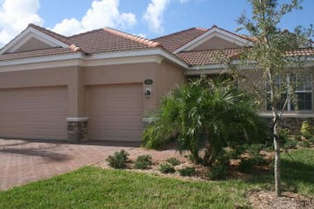 4 Bed Golf Villa - Bradenton