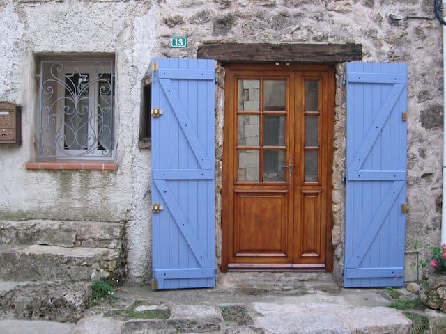 chambre d'hôtes au coeur d'un très beau village - Tourtour