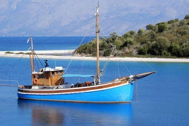 Ionian Spirit boat