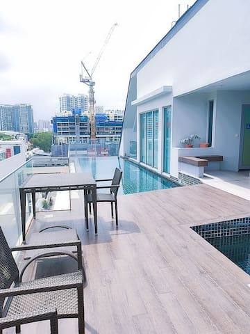 Luxurious 1+Study Condo in Town, 3 min to MRT (O3)