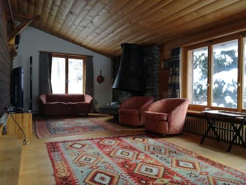 House Calanda - Warm Chalet