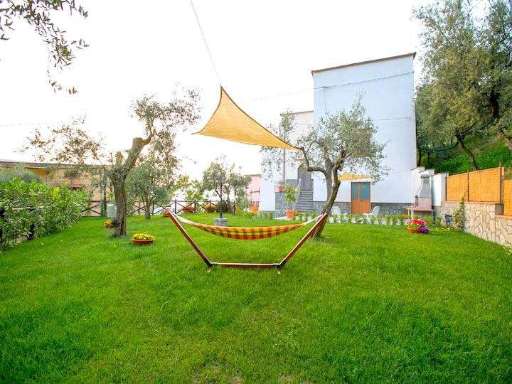 Bright apartment near Sorrento