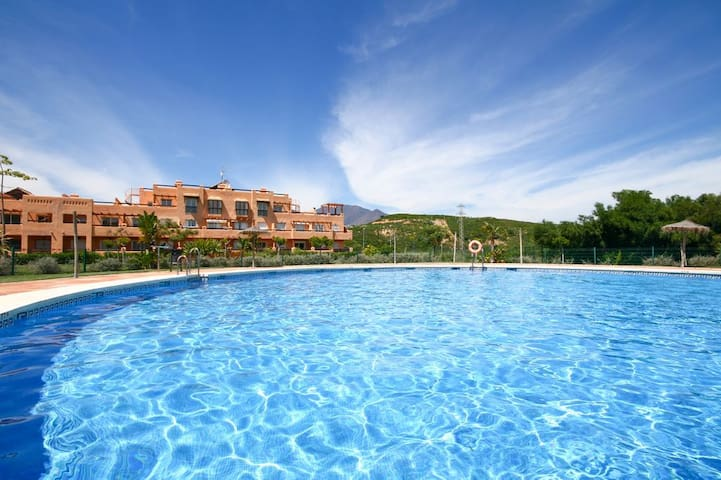 2 bedroom apartment Casares del Sol Estepona