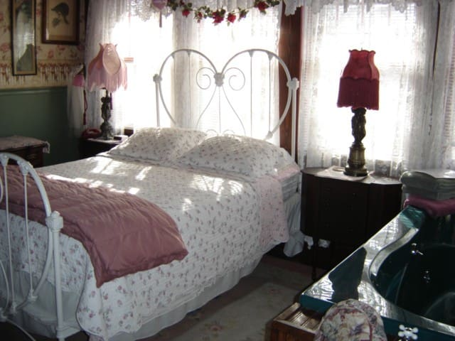 Stay Inn Style B&B Sweetheart Suite