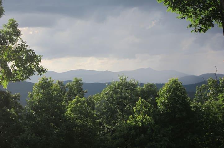 Mountain Top Escape - Pisgah Forest - Rumah