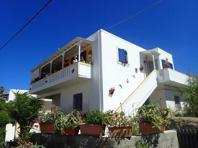 Dimitrios & Theodoros Apartments