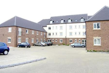 Luxurious 2 bedroom flat. Both rooms with En suite - King's Lynn - Apartamento