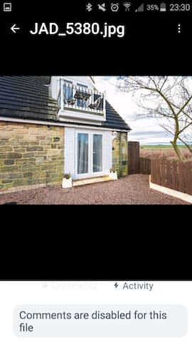 BEACHSIDE, LOW HAUXLEY Holiday let, beach retreat