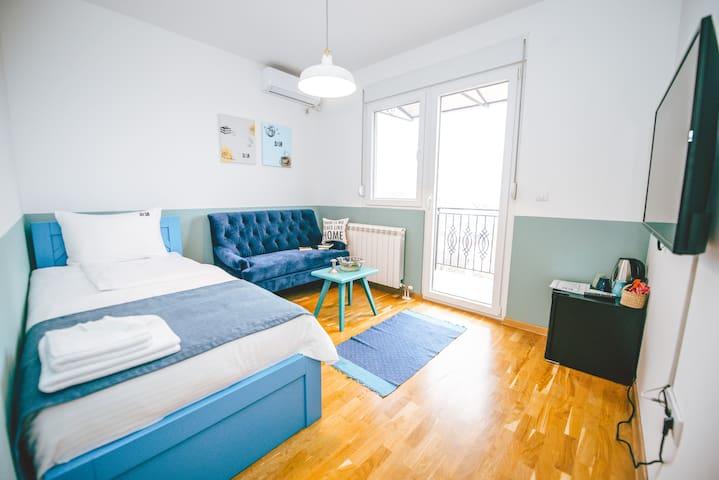 Lola Apartment 51