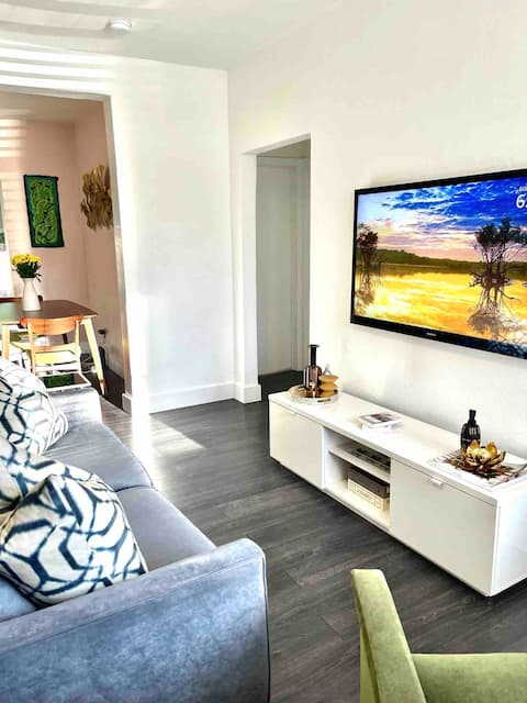 Modern Miami Cottage - 12 mins from the Beach