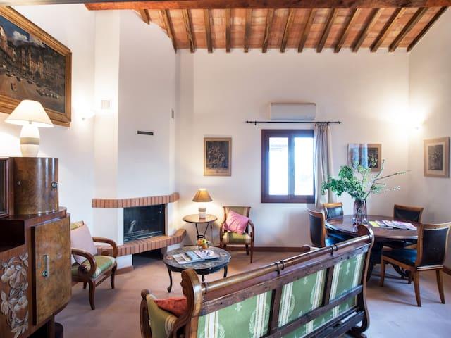 Capalbio Retreat: Apartment10 for six near the sea