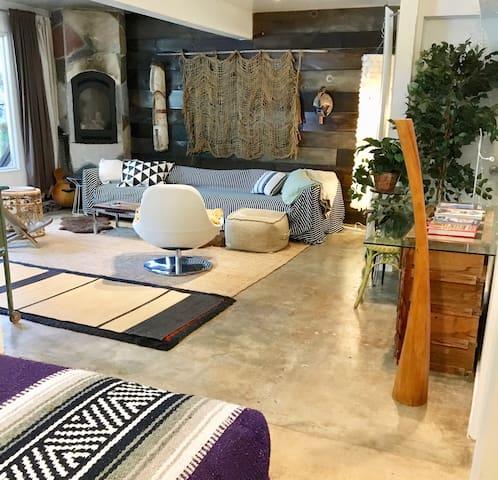 Topanga/Malibu Cyn Garden Apartment
