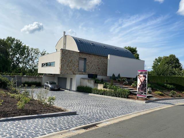 Villa met Zwembad en jacuzzi.