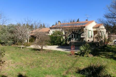 maison à la campagne - Sérignan-du-Comtat