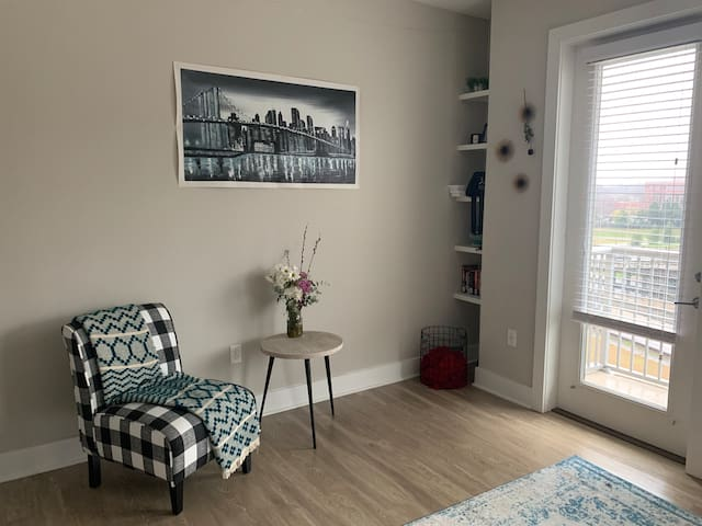 Bright, cozy space in Uptown Charlotte