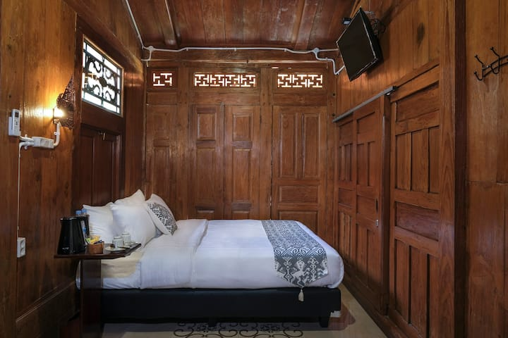 Kampoeng Joglo Boutique Hotel - Deluxe Double Room