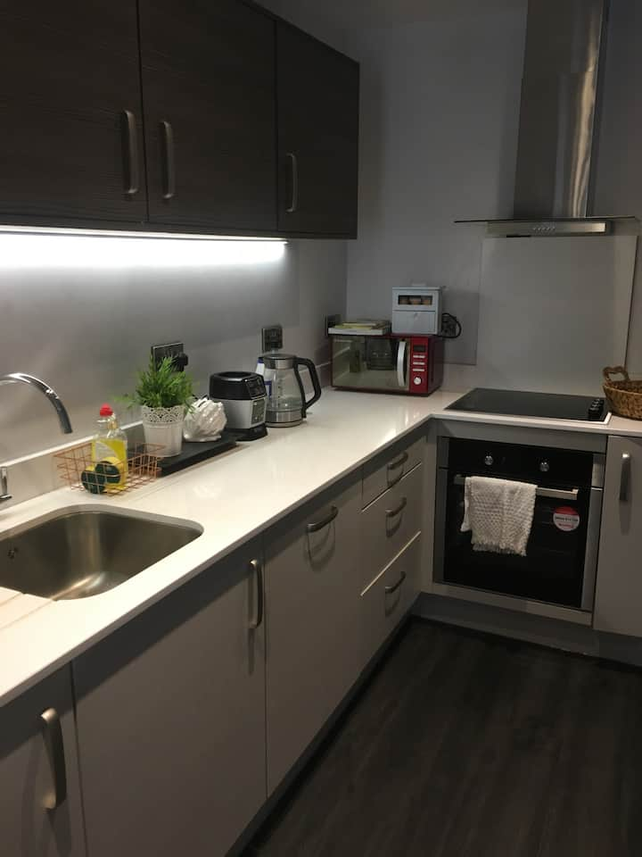Modern fully furnished one bedroom. Females only