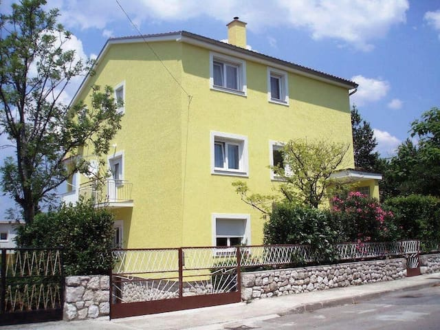 One bedroom apartment with balcony and sea view Selce, Crikvenica (A-11527-b) - Selce - Byt