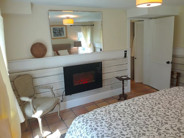 Orchard House - Carriage House Suite