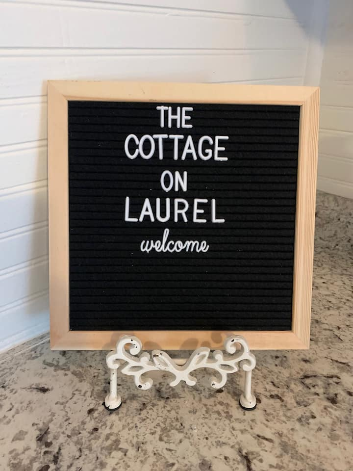 Cottage Guest Suite on Laurel-30 Day Minimum Stay