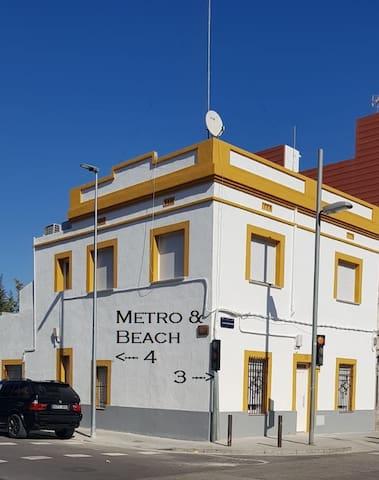 Metro And Beach Apartment Three