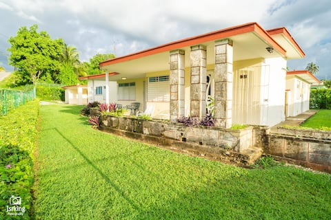 Beautiful and Newly Renovated Home Near the Beach!