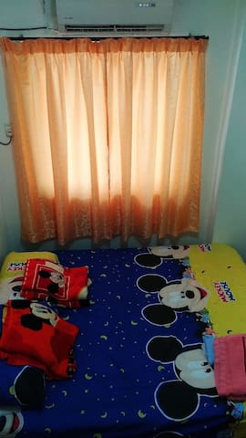 2person room with air cond ! free high speed Wifi