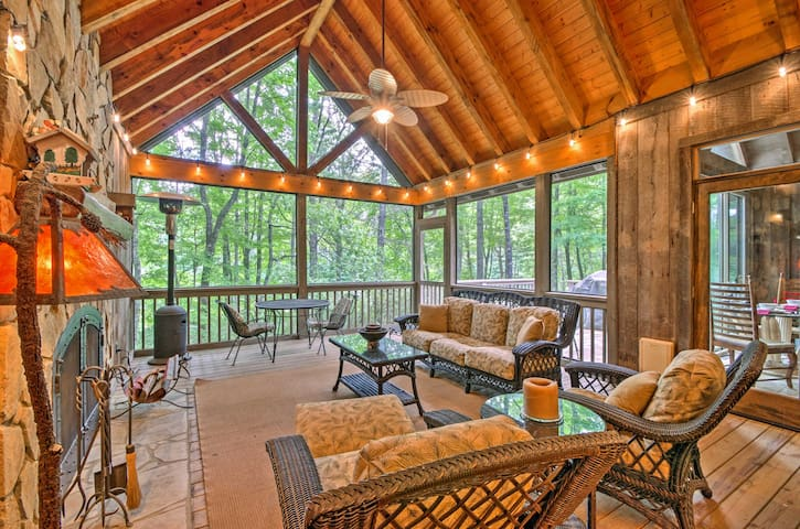 New! 3BR Sapphire Home w/ Huge Screened-In Porch!