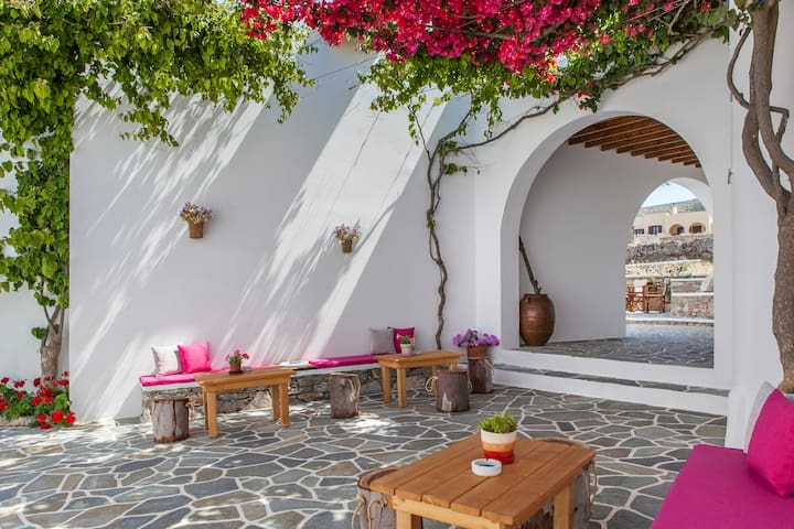 Folegandros,Aegeo Single Room B&B