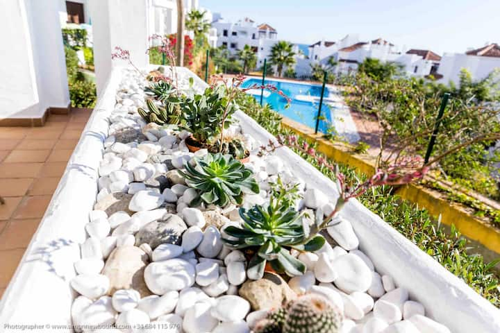 Apartment 2 beds 2 baths Sea View Alcaidesa Spain