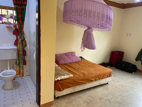 Family holiday home: slope of Rwenzori Mountains
