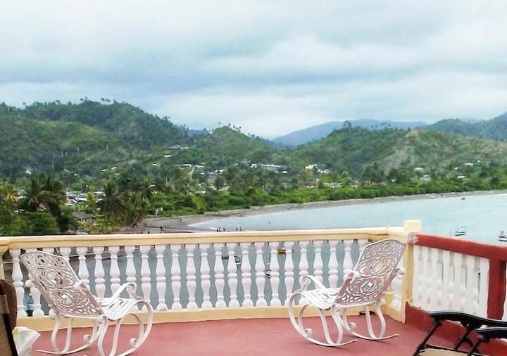 Hostal Bella Vista + WIFI, en Baracoa, Cuba (R1)