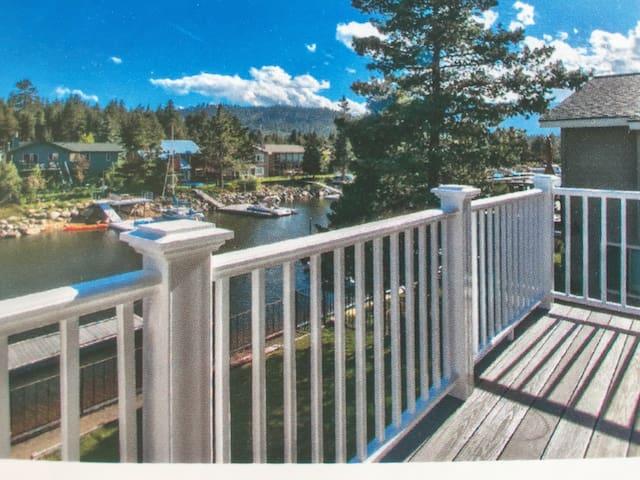 Cozy Tahoe Keys Waterfront Home - South Lake Tahoe - Huis