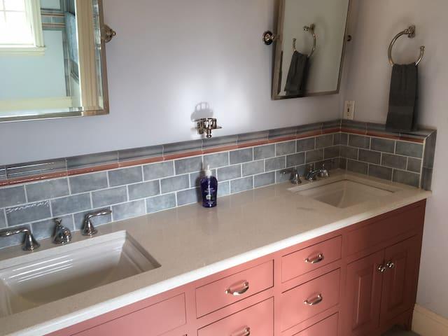 Cranberry Bog Preserve - Two bedroom suite!